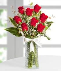 7 Adet vazoda kırmızı gül sevgiliye özel  Trabzon anneler günü çiçek yolla