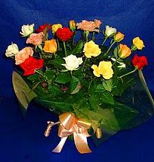 Trabzon uluslararası çiçek gönderme  13 adet karisik renkli güller
