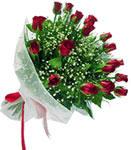 Trabzon hediye sevgilime hediye çiçek  11 adet kirmizi gül buketi sade ve hos sevenler