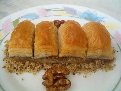 online pastane Essiz lezzette 1 kilo cevizli baklava  Trabzon güvenli kaliteli hızlı çiçek