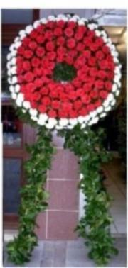 Trabzon hediye sevgilime hediye çiçek  cenaze çiçek , cenaze çiçegi çelenk  Trabzon 14 şubat sevgililer günü çiçek