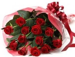 Trabzon İnternetten çiçek siparişi  10 adet kipkirmizi güllerden buket tanzimi