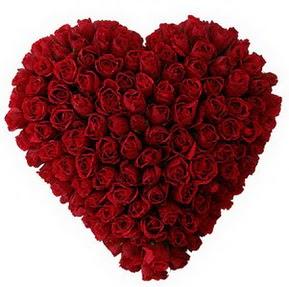 Trabzon 14 şubat sevgililer günü çiçek  muhteşem kırmızı güllerden kalp çiçeği