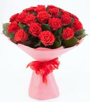 12 adet kırmızı gül buketi  Trabzon anneler günü çiçek yolla