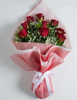 9 adet kırmızı gülden buket  Trabzon online çiçek gönderme sipariş