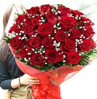 Kız isteme çiçeği buketi 33 adet kırmızı gül  Trabzon internetten çiçek satışı