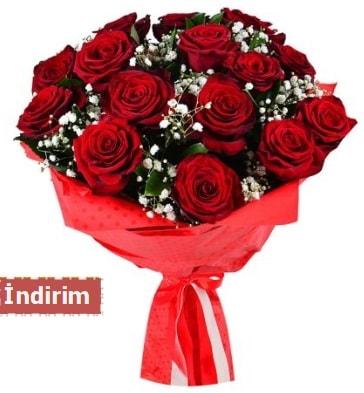 12 Adet kırmızı aşk gülleri  Trabzon online çiçek gönderme sipariş